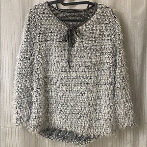 Tops - Chic shirt. Size L